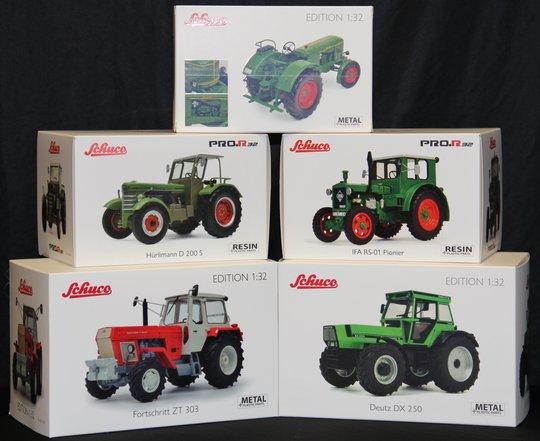 19.-23. Preis 2020: Je ein historisches Traktor-Modell 1:32